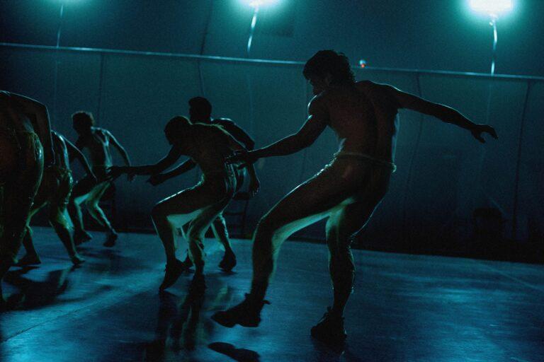 Danser l'artificialité